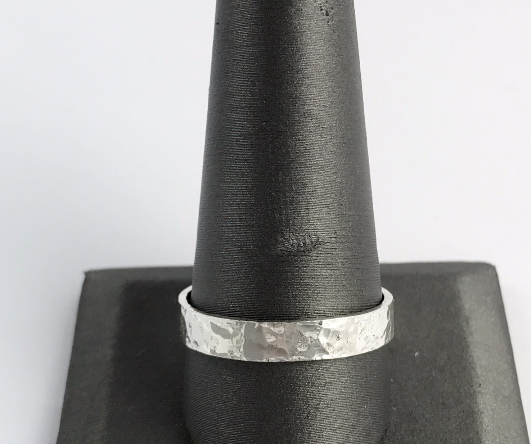 Thin Hammered Ring -/ THR2