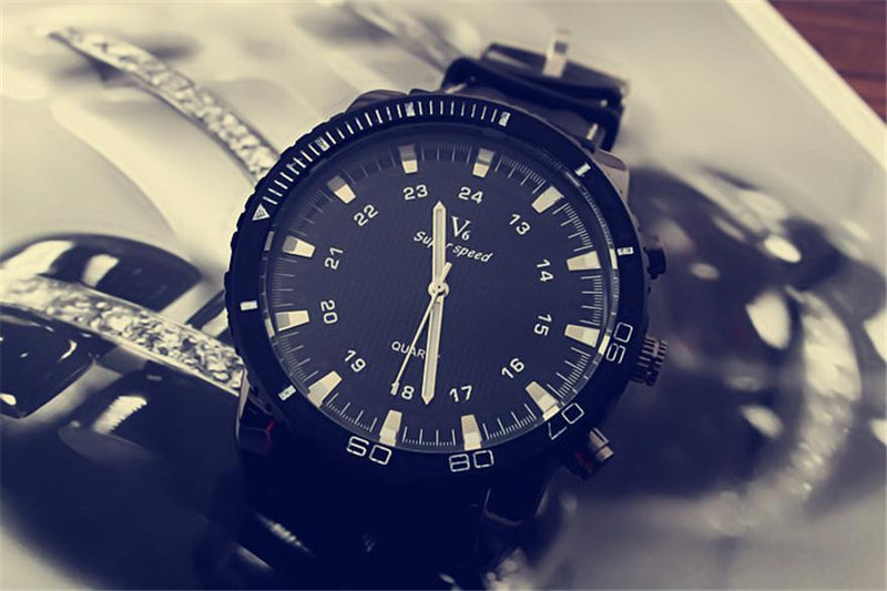 New Executive Fashion Wristwatch  For Men with  Large Dial