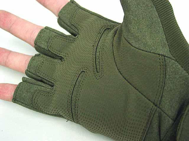 Men's Blackhawk Tactical Half Finger Gloves for Airsoft and Outdoor Adventures