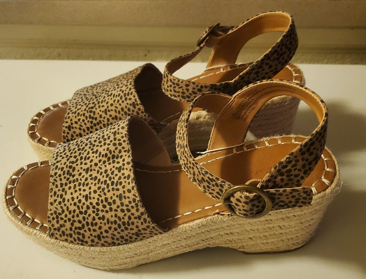 Womens Morgan Microsuede Leopard Print Two Piece Espadrille Wedge Pumps