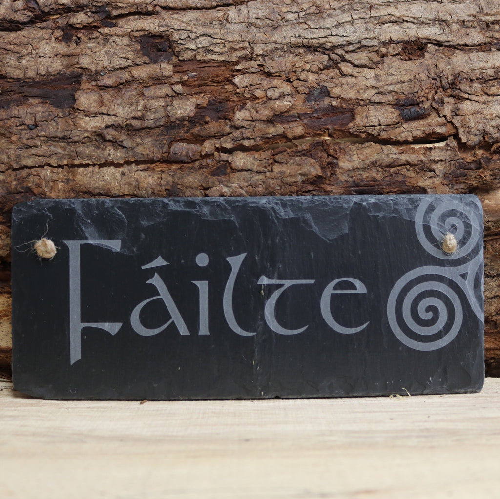 Blue House Gifts Slate Plaque - Failte