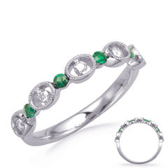 Alternating Diamonds and Emerald Ring