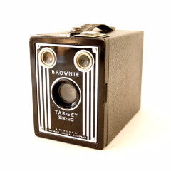 Vintage Kodak Brownie Target Six-20 Camera (c.1946) N2 - thirdshift
