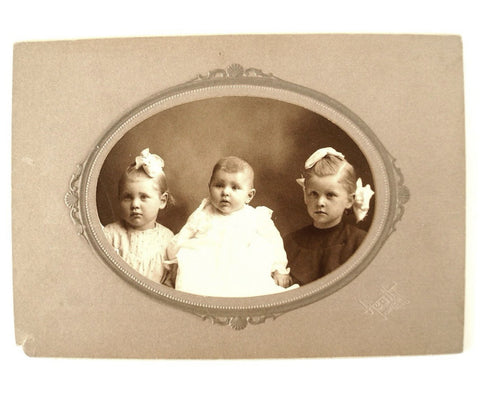 Antique Photograph Cabinet Card of Three Children from Pontiac Illinois (c.1890s) - thirdshift