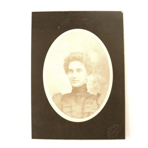 Antique Photograph Cabinet Card of Woman from Pontiac Illinois (c.1890s) - thirdshift