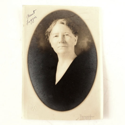 Antique Photograph of Lizzie (Shiffer) Custard from PA (c.1890s) - ThirdShiftVintage.com