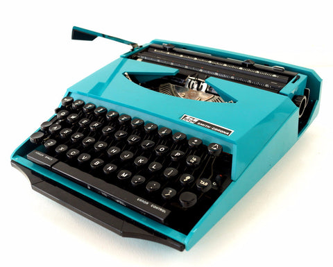 Vintage Smith Corona Karmann Ghia Super G Portable Typewriter (c.1970s) Turquoise - ThirdShiftVintage.com
