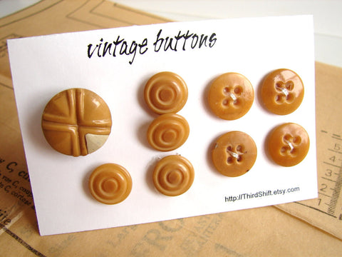 "Vintage Buttons in Caramel Brown (Set of 9) ""The Caramel Candy Set"" (c.1960s) - thirdshift"