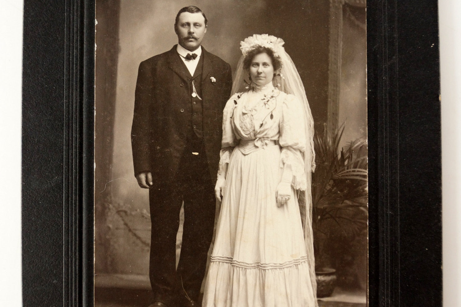 ... Antique Photograph Cabinet Card Of Wedding From Duluth, MN (c.1890s) ...