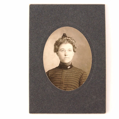 Antique Photograph Cabinet Card of Woman in Black and White (c.1890s) - ThirdShiftVintage.com