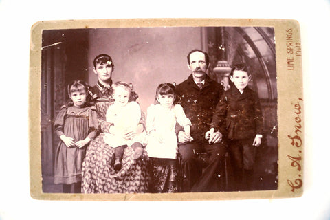 Antique Photograph Cabinet Card of Family (c.1890s) Williams Family from Iowa - thirdshift