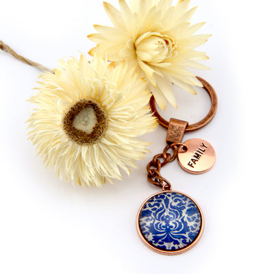 Vintage Rose Gold Keyring with ' FAMILY ' charm - Fleur Azure (10811)