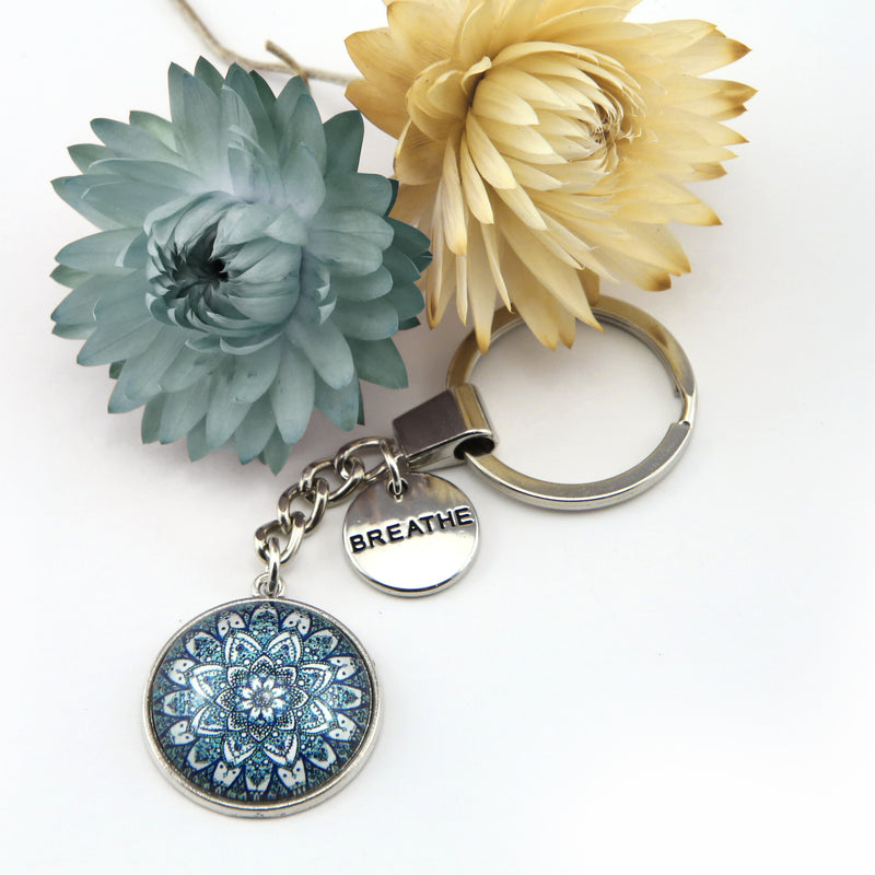 Heart and Soul - Vintage Silver Keyring with ' BREATHE ' charm - Floral Ice (11054)