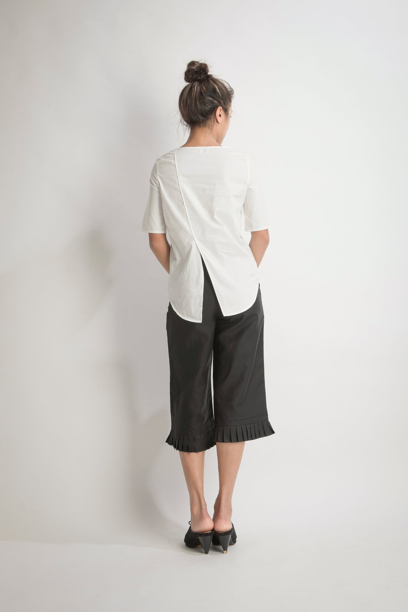 Asymmetric Top | White