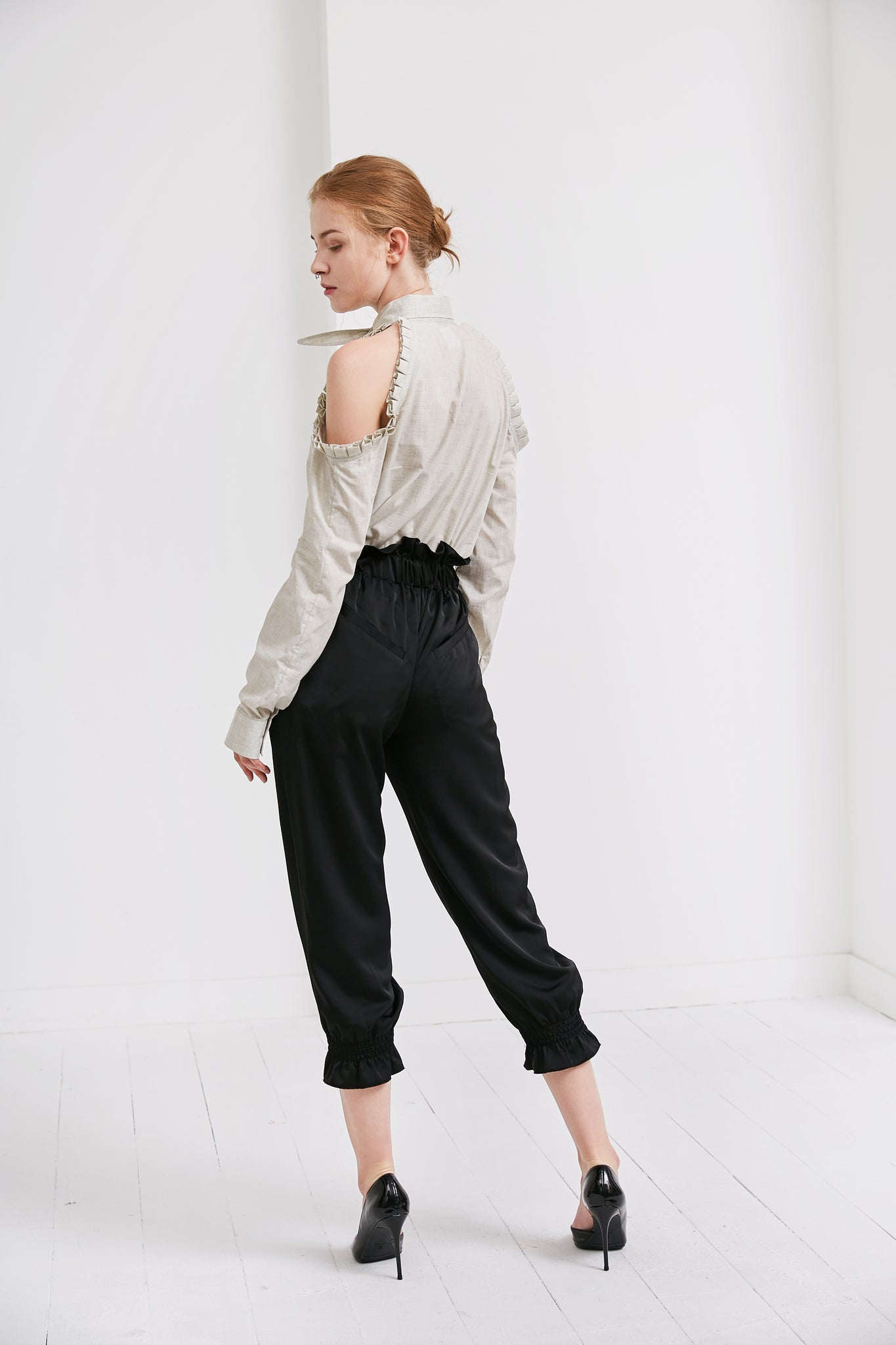 High Waist Cropped Trousers | Black