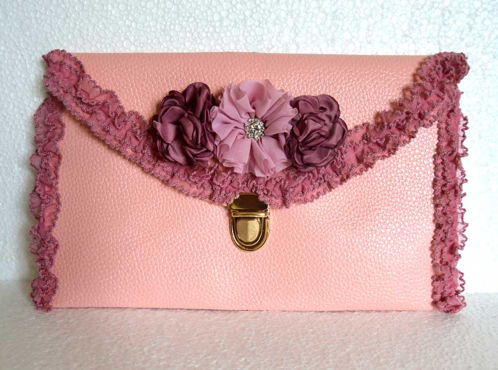 A pink leather bag you will love!