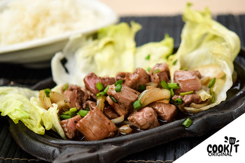 Stir-Fried Beef in Black Pepper Sauce served with Japanese Rice