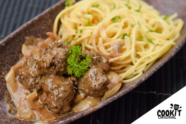 Spaghetti Meatball with Coffee Cream Sauce