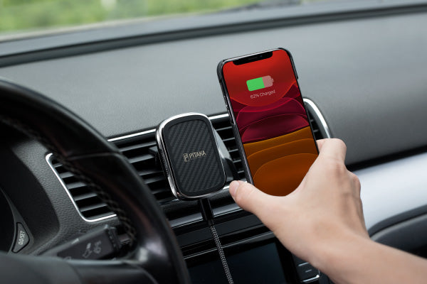 magnetic wireless charging car mount for iPhone