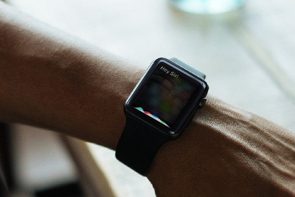 Wake Siri on Apple Watch