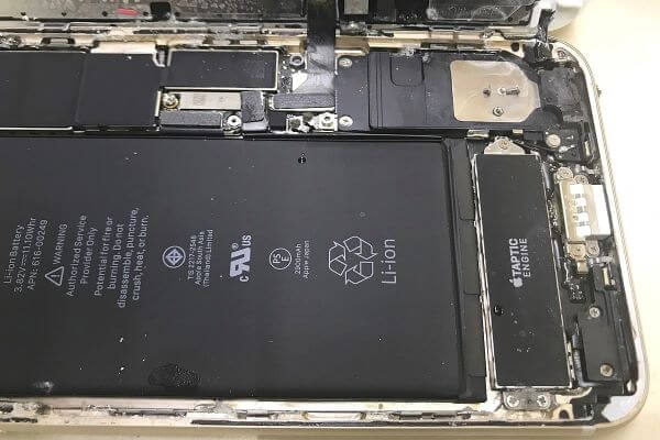 iPhone heats up because of a bad battery