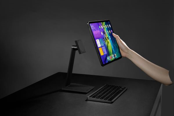 PITAKA magnetic iPad Pro stand improves your work productivity
