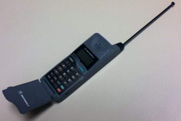 the pocket-sized Motorola MicroTAC