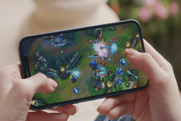 Playing games for a long time will heat up the iPhone