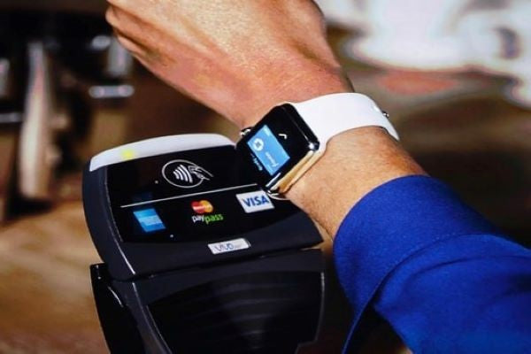 Apple Pay on your Apple Watch pay for goods by using Apple Watch