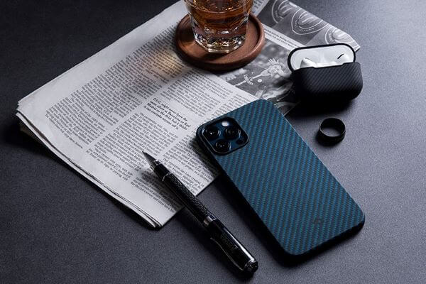 The black and blue iPhone 12 phone case from PITAKA