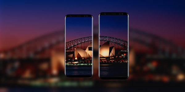 samsung galaxy S8 holds a infinity display