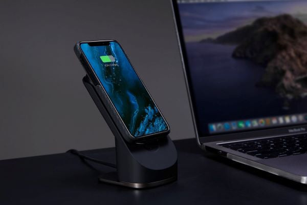 PITAKA magnetic wireless charger works with iPhone 12
