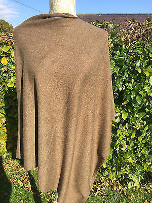 Stylish Cashmere Blend Poncho in natural un-dyed mid-brown, One Size