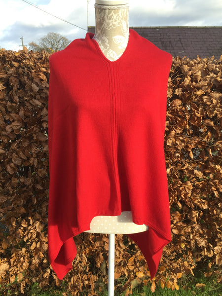 Cashmere Poncho in Red