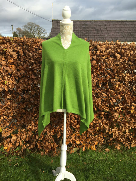 Cashmere Poncho in Green