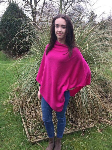 Cashmere & Wool Poncho in Raspberry Pink, One Size