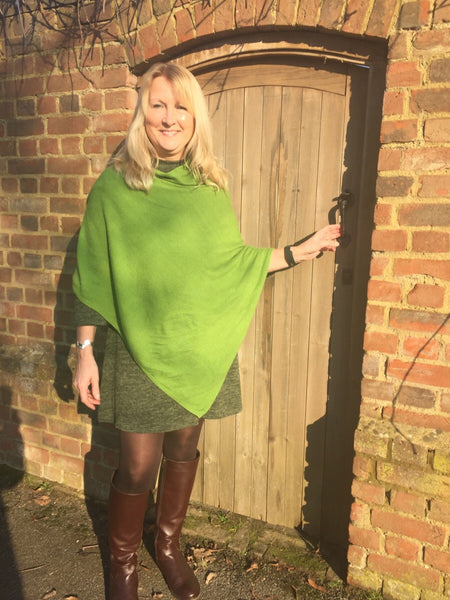 Cashmere & Wool Poncho in Green