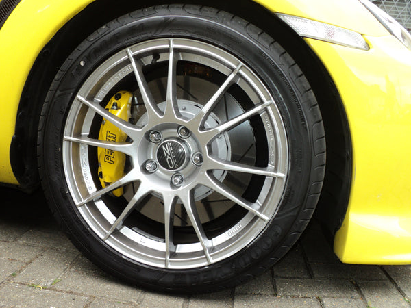 OZ Racing Ultraleggera - Bespoke Performance Parts  - 2