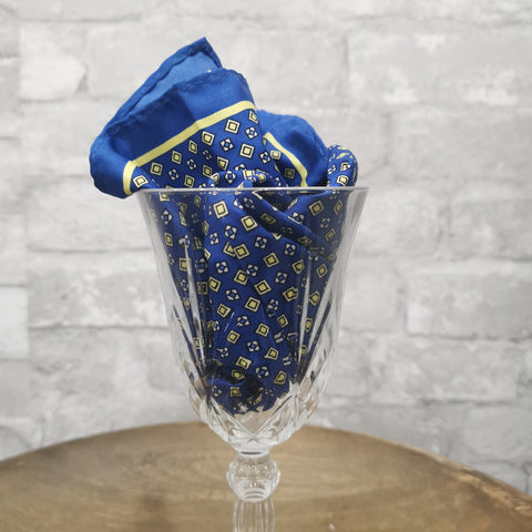BLUE SQUARES YELLOW TWILL POCKET SQUARE