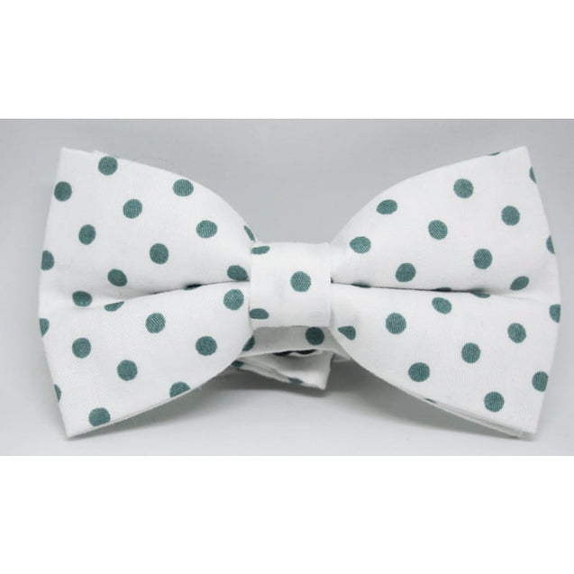 WHITE WITH A GREEN POLKA DOT COTTON BOW TIE - Elnukstyles | unique affordable men's Bow Ties, Knitted Neckties, Flower Lapel Pins, Pocket Squares, Tie Clips, Cufflinks, Brooch, Toronto