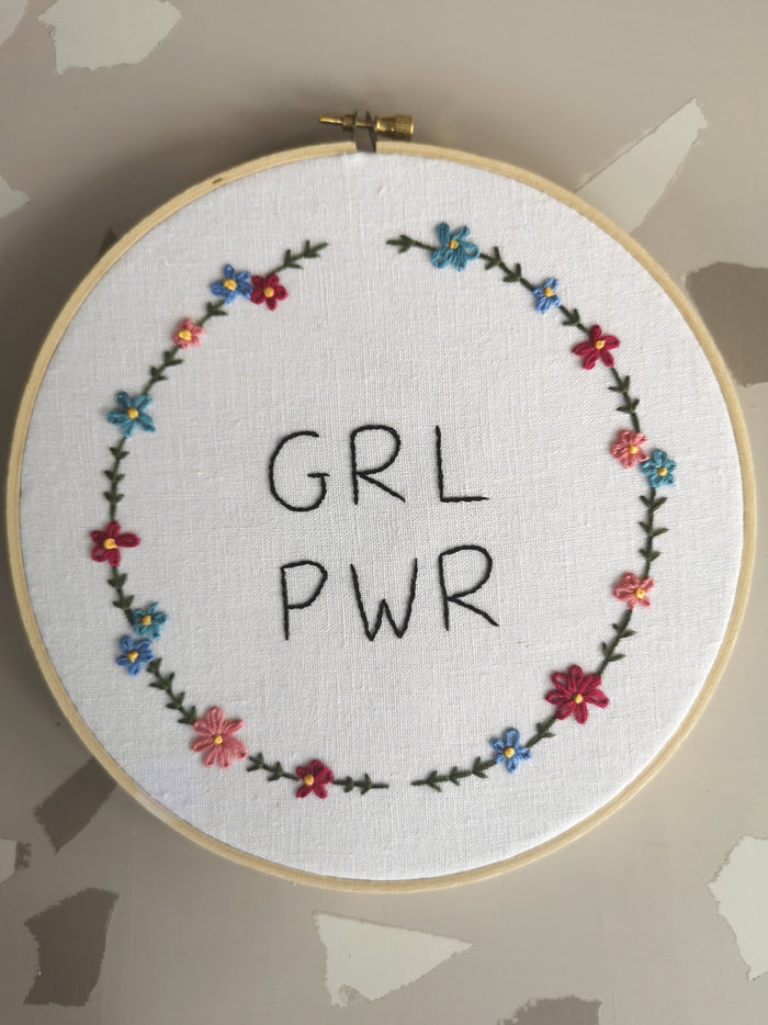 "Broderie murale ""Girl Power"""
