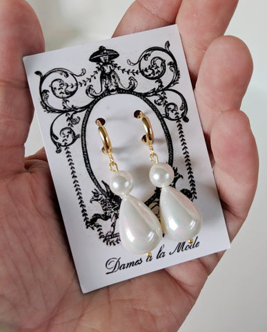 Shell Pearl Double Stone Teardrops