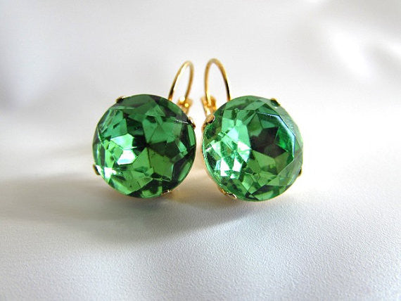 Peridot Green Paste Glass Earrings - Medium Round