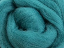 Load image into Gallery viewer, Merino Roving 500g - 48 colours available