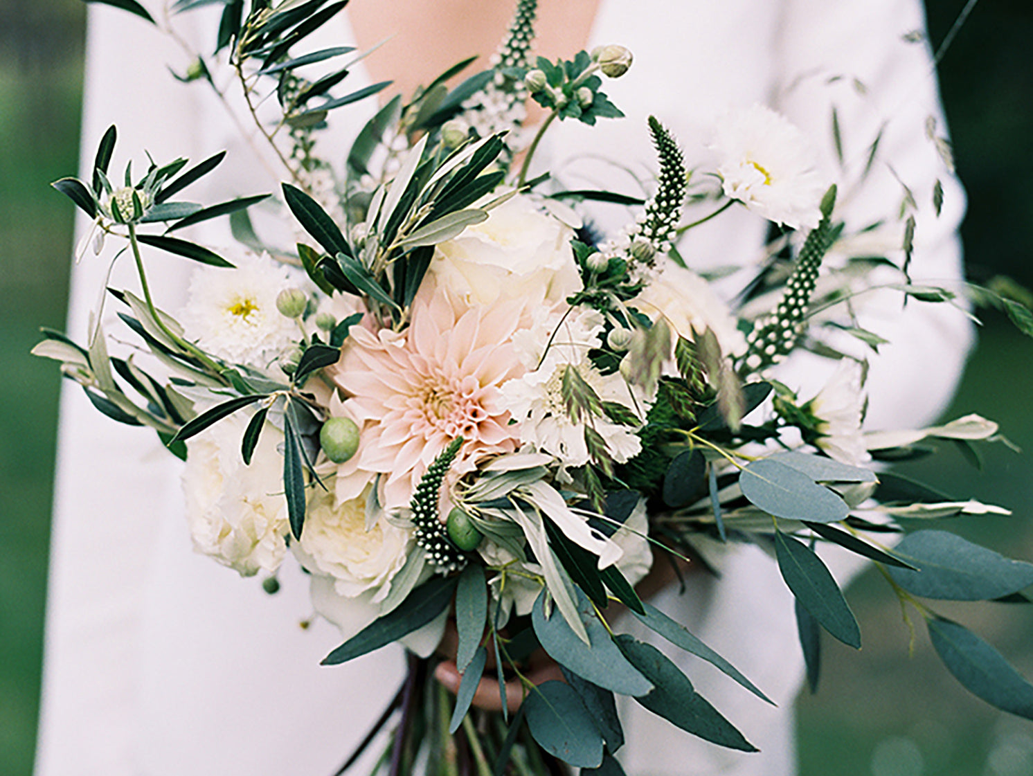 Top 5 loose floral wedding bouquets round up paper bound love top 5 loose floral wedding bouquets round up izmirmasajfo