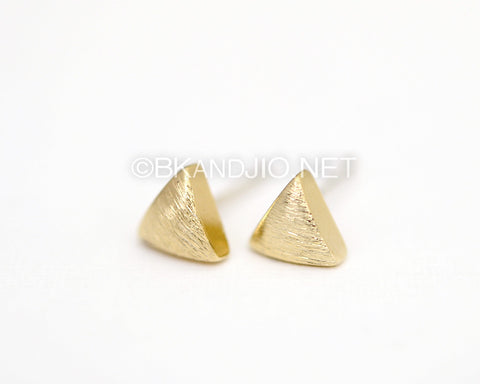 Volume Brushed Triangle Studs Earrings