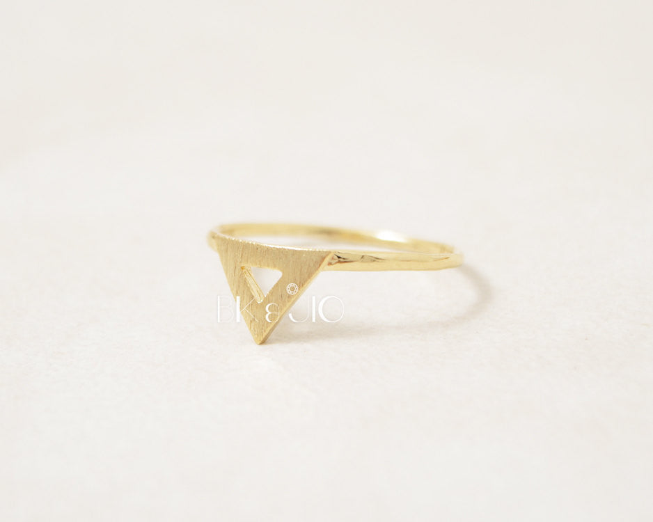 Spike Triangle Ring