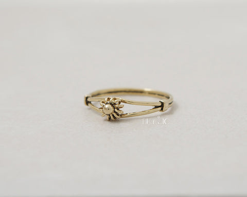 Vintage Mood Flower Ring