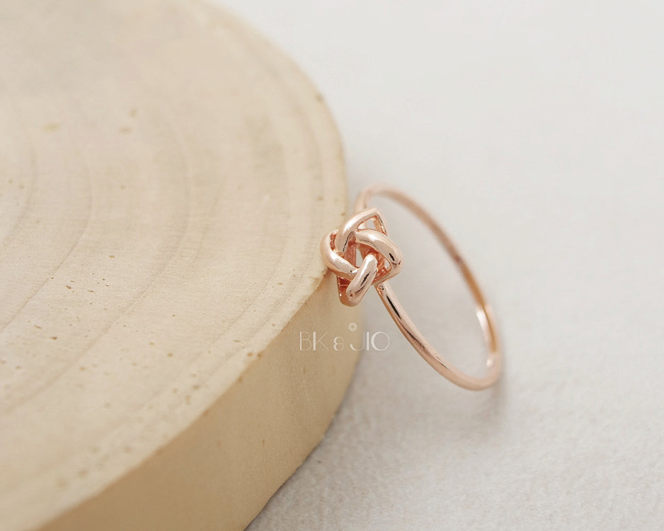 Tie Double Knot Ring
