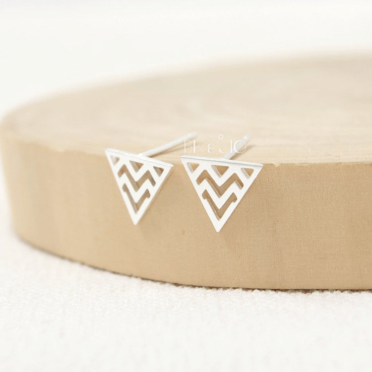 Tiny Zigzag in Triangle Stud Earrings